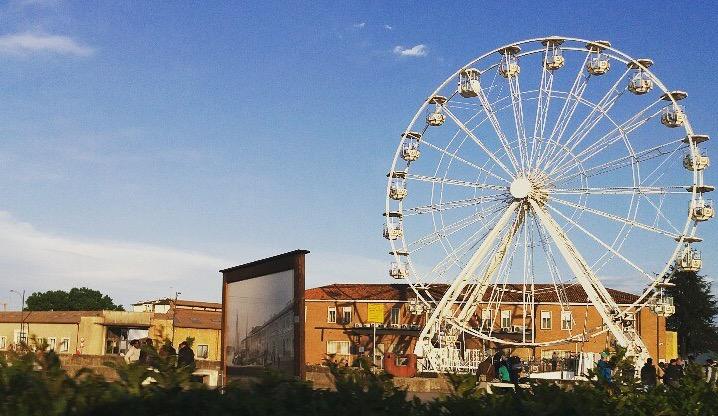 Torna la ruota panoramica in Darsena
