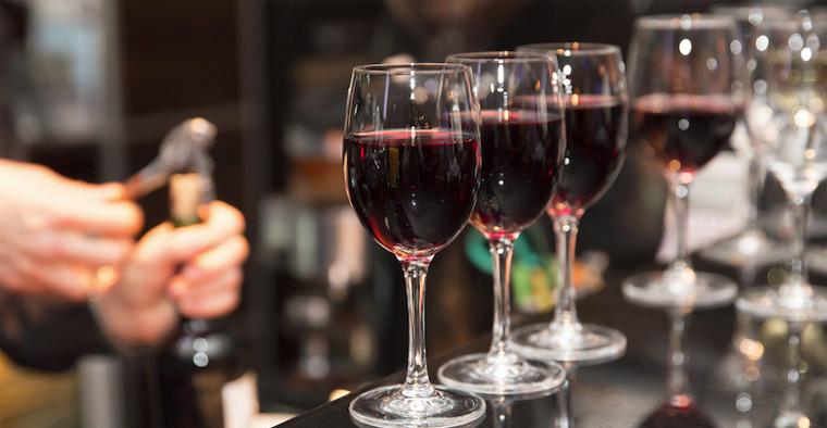 P.assaggi di vino, calici e street food al borgo